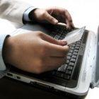 Zalety karty płatniczej i konta internetowego